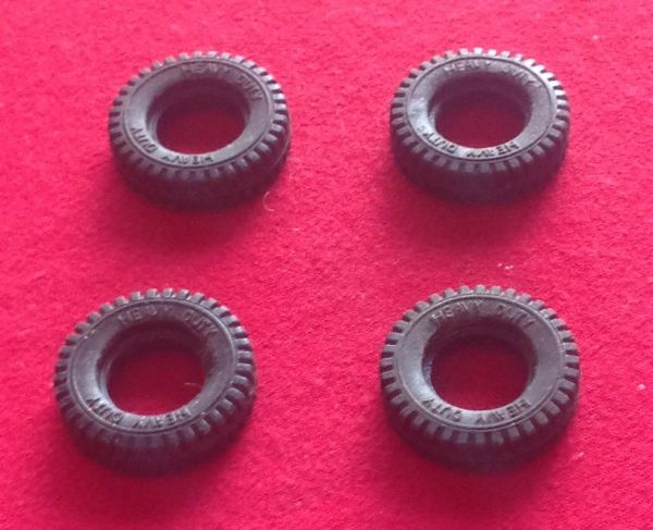 ORIGINAL Dinky Toys 451 Johnston Road Sweeper set of Four Black Treaded Tyres
